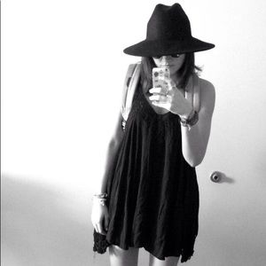 Urban Outfitters felt hat